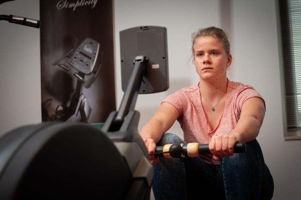 Provitaal Fysiotherapie Meeden-trainingstherapieën-fysiofitness op de roeitrainer